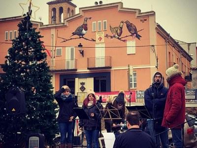 El mercat de Nadal, passat per boira i fred