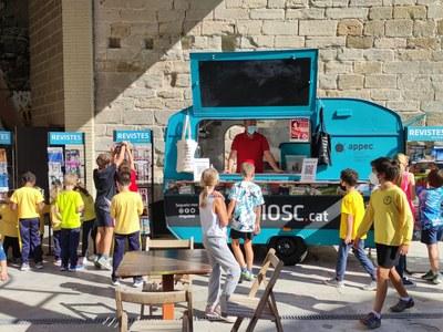 iQuiosc arriba a Penelles ple de revistes en català