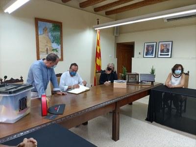 Josep Rull firma del llibre d'honor