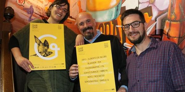 La Maria del Mar López, en Jordi Solsona i en Robert Coll presentant els artistes de l'edició 2019.
