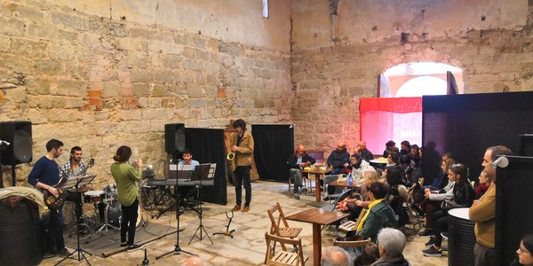 Concert vermut amb el grup local Jazz People